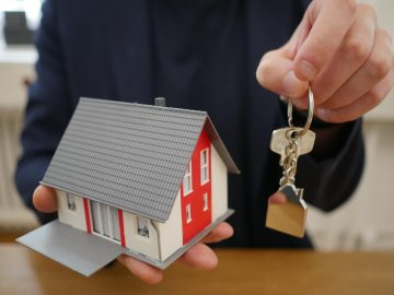 Stop Foreclosure Using a Sell and Stay Program