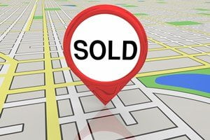 Map with sell house fast sign