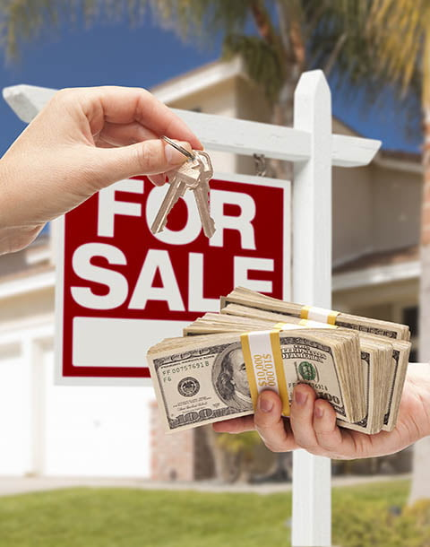 We pay cash for houses image with keys and sold sign